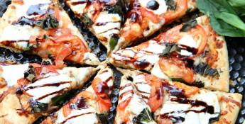 caprese-pizza