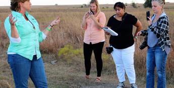 Kansas rancher talking to bloggers