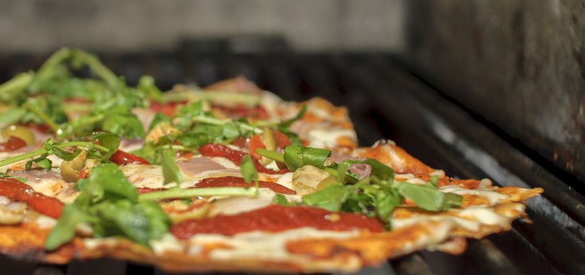 How to grill pizza dough