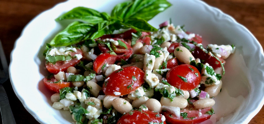 tomato and cannellini bean salad