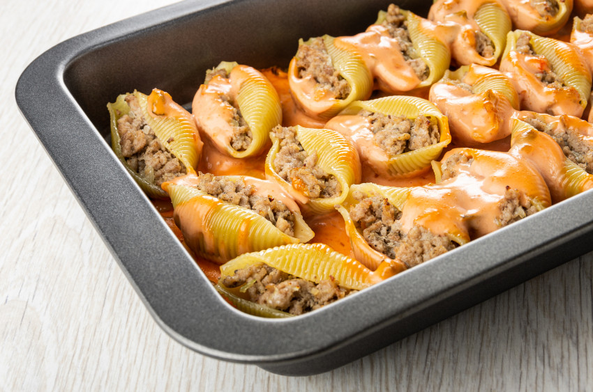 cheeseburger stuffed jumbo pasta shells