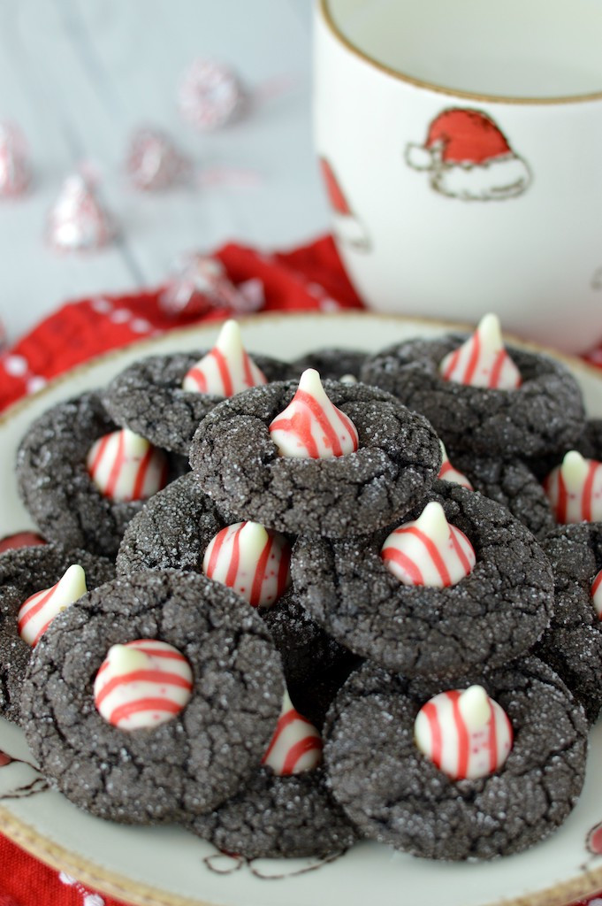 chocolate-peppermint-blossoms