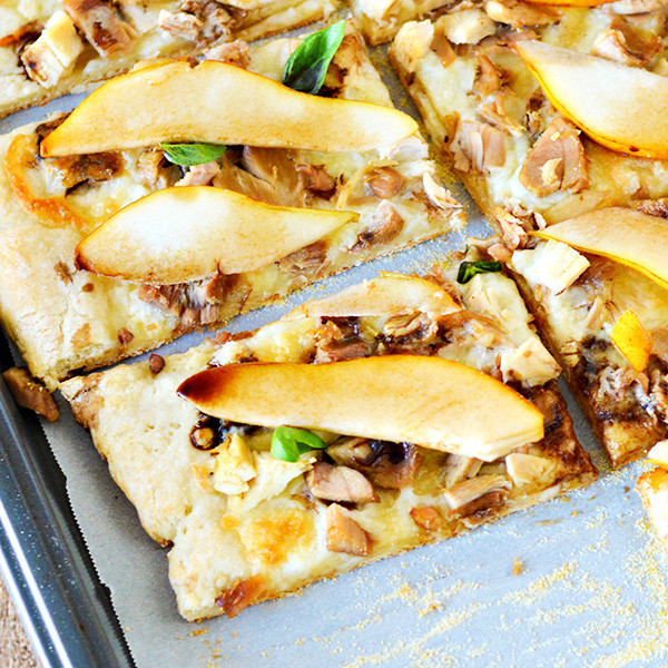leftover-turkey-pear-balsamic-pizza-recipe