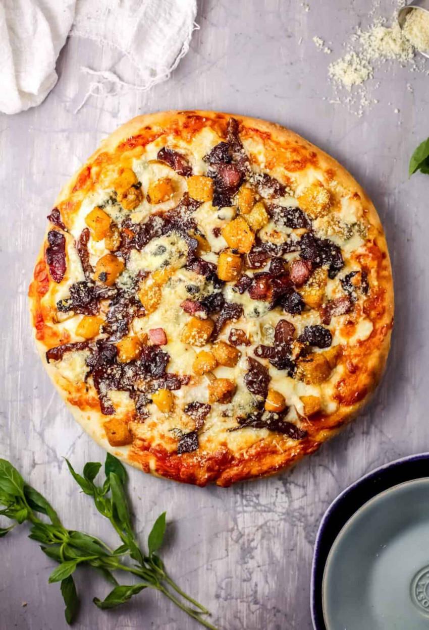pumpkin-onion-pizza