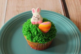 Spring Flower Bed Cupcake